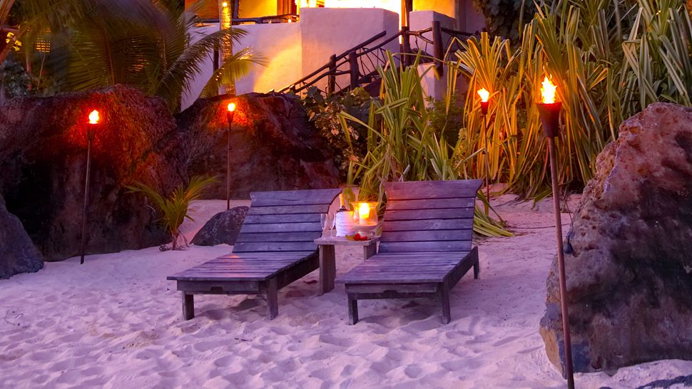 cook islands beachfront-suite
