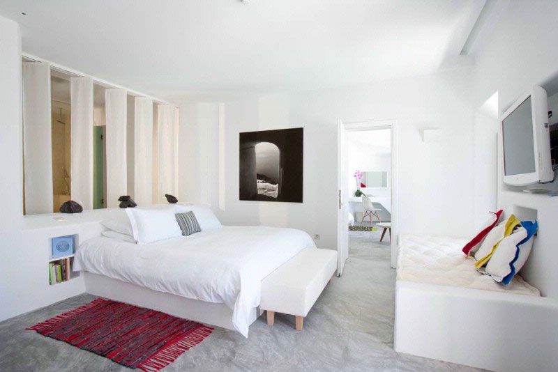 Grace-Santorini-Hotel-bedroom