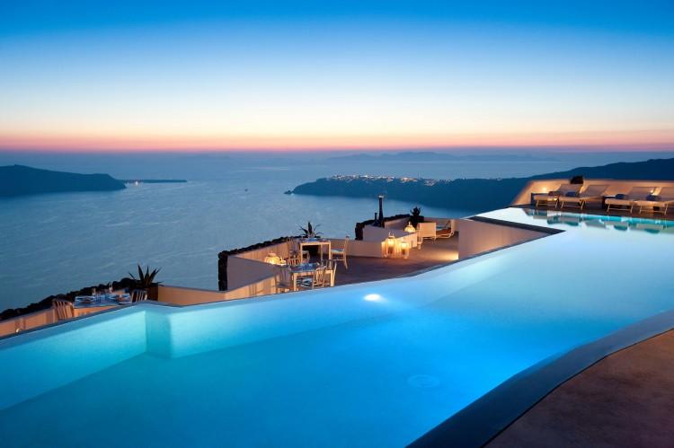 Grace-Santorini-Hotel-pool at night