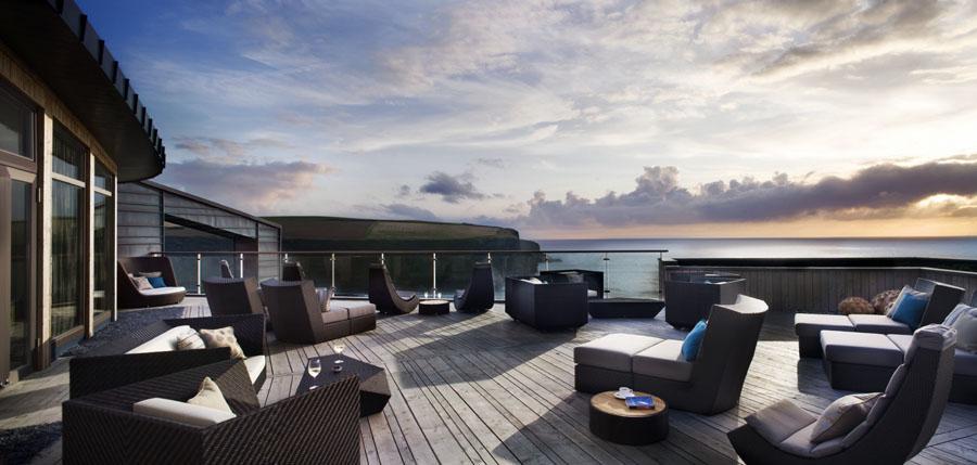 scarlet terrace