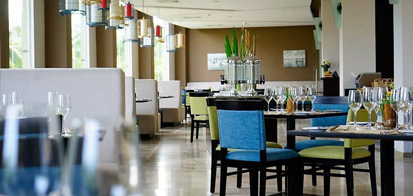 26meliadanang-marketplacerestaurant