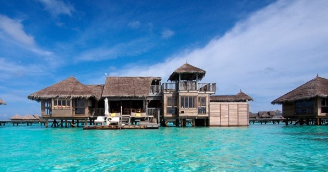 Wondering, where the paradise is? You are right here in the paradise called Gili Lankanfushi. Each of the 45 Villas is located in a sparkling lagoon, with jetties stretching across the crystal water.
