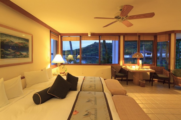 Suites (3)