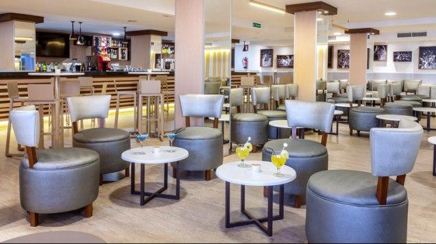 bar-salon1-hotel-tagoro_761x427_tcm18-10300