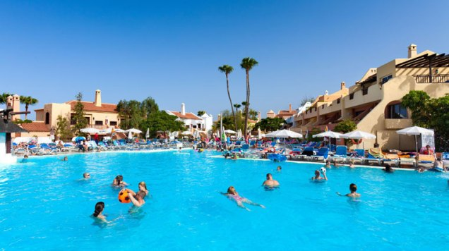 piscina5-hotel-tagoro_761x427_tcm18-10783