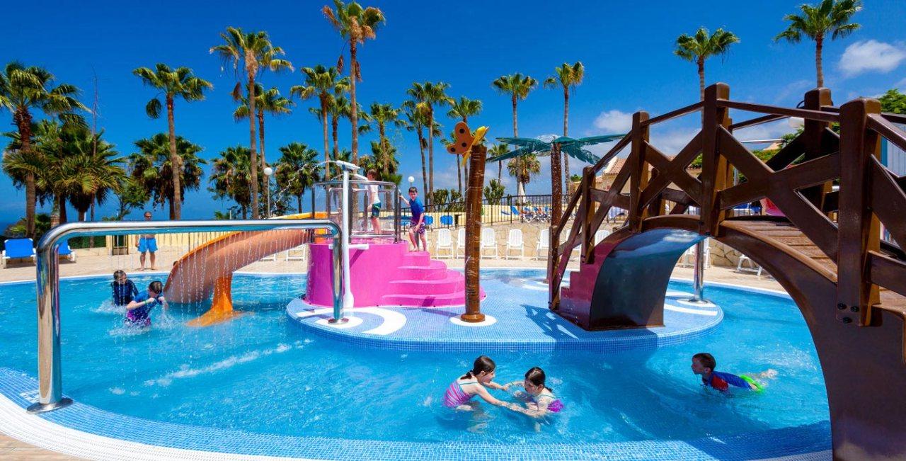 Splash-Pool2-Hotel-Tagoro_1349x687_tcm18-11400_w2048_n